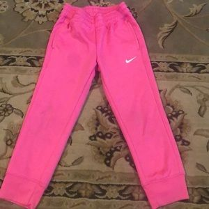 Nike therms-fit athletic pants super warm, pockets
